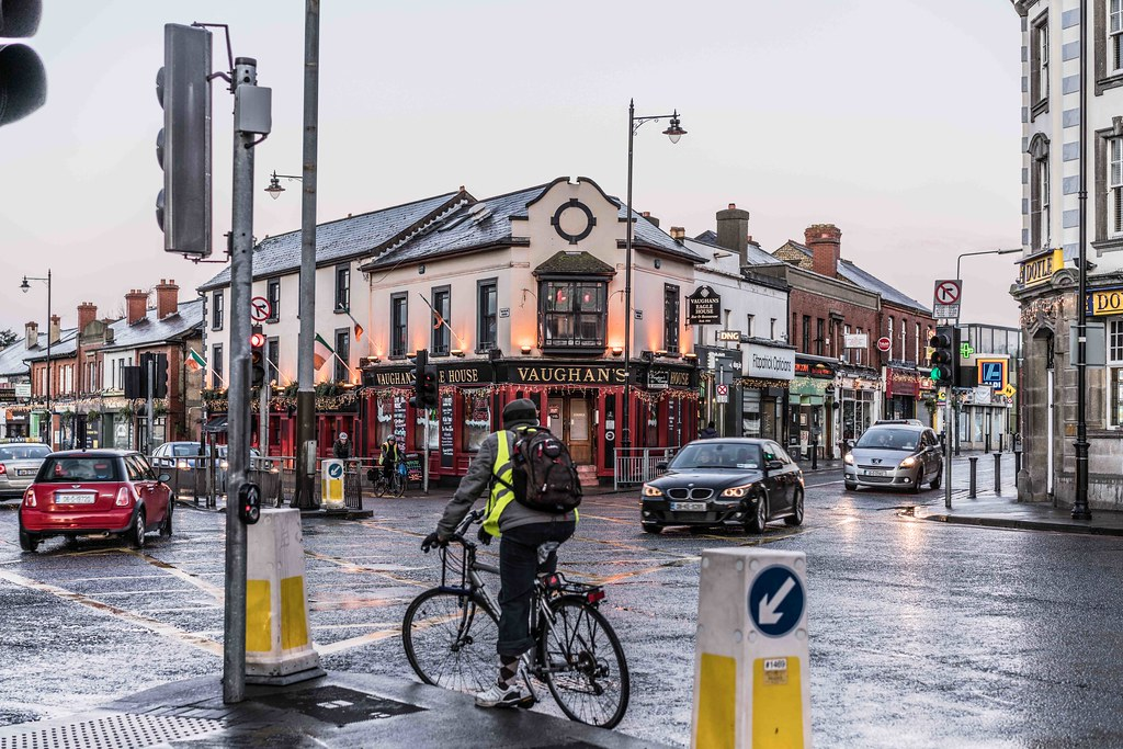 CHRISTMAS EVE IN TERENURE [VAUGHAN'S EAGLE HOUSE PUB]-110690
