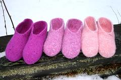 2016.02.10. blingtossut x3 2200m (villanne123) Tags: felted knitting slippers 2016 finnwool huovutettu neulottu tossut hahtuva pirtinkehraamo hahtuvatossut villanne