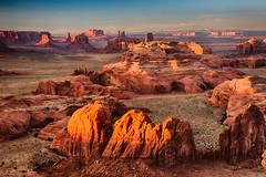 Hunt's Mesa Sunset, Monument Valley (malaholic) Tags: sunset sandstone towers redrock monumentvalley monoliths huntsmesa