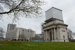Wellington Arch with hidden quadriga (Matt From London) Tags: scaffolding wellingtonarch hydeparkcorner
