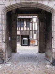 IMG_9144 (NICOB-) Tags: troyes monuments maison centreville aube colombages