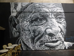 Hendrik Beikirch au M.U.R. XI (avril 2016) (Archi & Philou) Tags: portrait blackandwhite noiretblanc oldman homme paintedwall murpeint oberkampf vieillard paris11 murxi beikirch