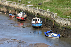 Red and blue boats at Seaton Sluice (DavidWF2009) Tags: boats harbour northumberland fishingboats seatonsluice