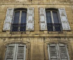 Blick nach oben  @  Avignon (sunnybille) Tags: windows france architecture facade canon frankreich fenster architektur avignon fentre faade perspektive fassade 2015 blicknachoben perspektiven