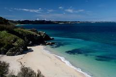 plage (jaylvis29) Tags: en mer sunshine landscape sable ile bretagne bleu belle fin nuage paysage plage rocher fond ete bzh saison decran