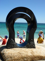 Oushi Zokei Gate to the Beach - Keizo Ushio (Figgles1) Tags: sea sculpture beach gate cottesloe sculpturebythesea sculptures zokei 2016 keizoushio oushi p1010826 oushizokeigatetothebeach