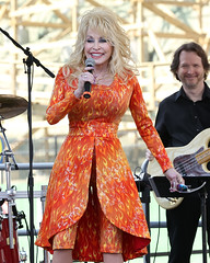 Dolly Parton (cwhilbun) Tags: usa tennessee pigeonforge countrymusic dollywood sevierville dollyparton festivalofnations