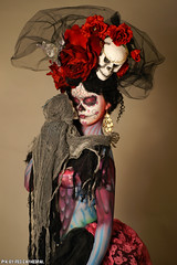 El dia de los muertos en la ciudad de Durango. (Red Cathedral is alive) Tags: halloween girl walking dead mexico skull cosplay zombie sony eerie bodypaint horror diadelosmuertos undead bodypainting alpha larp f50 redcathedral livingdeadgirl thedayofthedead gavere a850 thewalkingdead eventcoverage sonyalpha gafodi aztektv bertverstappen freethenipple