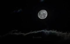 Moonlight (Felipe Zanotti) Tags: moon luz clouds shine zoom luna moonlight