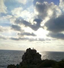 صخرة الإنتحار (nesreensahi) Tags: sunset sea people sun beach nature clouds landscape corniche syria siria سوريا syrie latakia اللاذقية سورية