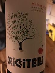 IMG_0212 (bepunkt) Tags: wine winebottle vino wein winelabel weinflaschen etiketten weinetiketten