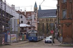 P-Zug 2005/3037 in der Schloßstraße am Max-Weber-Platz (Frederik Buchleitner) Tags: 2005 munich münchen tram streetcar 3037 trambahn pwagen linie7 strasenbahn museumstram mvgmuseum museumslinie