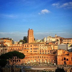 Roma #trajan #europe #cold #europa #view... (polimerase) Tags: travel cold rome roma art history church arquitetura europa europe view arte aviary amateur portuguese trajan historia outono constructions igrejas lovethisplace hotshotz iphonecamera velhomundo instapic beautifuldestinations uploaded:by=flickstagram myflagrants greatshotz braziltravelers instagram:photo=111599231697890880230836522 instagram:venuename=trajan27sforum instagram:venue=240218351