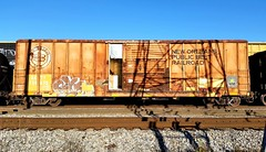 GLUE (BLACK VOMIT) Tags: new public car train graffiti belt orleans box glue boxcar freight railraod