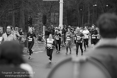 Midwinter Marathon Apeldoorn 2016 (7 Feb) (JVE PHOTOGRAPHY) Tags: blackandwhite sport zwartwit marathon running zwart wit hardlopen apeldoorn 2016 blackwithe minimarathon kidsrun sportfotografie achtvanapeldoorn midwintermarathonapeldoorn wwwfotografieutrechtcom 10engelsemijl wwwmidwintermarathonnl