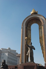 Dushanbe - Ismoili Somoni Monument (jrozwado) Tags: monument statue asia arch tajikistan dushanbe  somoni