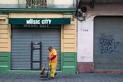 Music City (Timothy Neesam (GumshoePhotos)) Tags: street city trash mexico garbage mexicocity fuji bolivar fujifilm centrohistorico streetsweeper xt1