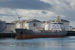 Eken (Peet de Rouw) Tags: holland ship petrol tanker vopak europoort portofrotterdam eken petroleumhaven denachtdienst canon5dmarkiii peetderouw 7epetroleumhaven