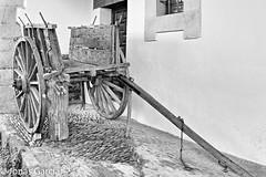 El paso del tiempo (Jons Garca) Tags: rural canon landscape madera paisaje carro tajo antiguo pueblos granadilla extremadura caceres empedrado hurdes alagn mediodetransporte eos700d conmicanon
