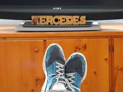 (Joan Pau Inarejos) Tags: familia mercedes mujer gracias famlia zapatos abuela nombre tele familiares merc rtulo familiars comodidad antologa propio ordal antolgica vambas antolgicas