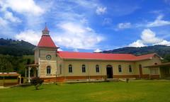 The church of Copey de Dota in its landscape (vantcj1) Tags: iglesia paisaje cielo nubes montaña templo patrimonio