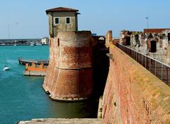Livorno - Fortezza vecchia (anto_gal) Tags: porto toscana livorno bastione citt fortezza 2016 fortezzavecchia mediceo fortificazione canaviglia
