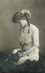 Lovely teenager (sctatepdx) Tags: portrait teenager 1914 vintagedress oldportrait vintageportrait antiqueportrait vintageteenager vintagebouquet
