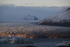 shs_n8_067103 (Stefnisson) Tags: ice berg landscape iceland glacier iceberg gletscher glaciar sland icebergs jokulsarlon breen jkulsrln ghiacciaio jaki vatnajkull jkull jakar s gletsjer ln breidamerkurjokull breiamerkurjkull  glacir sjaki sjakar stefnisson