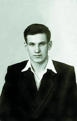 A young Boris Yeltsin (date unknown) [383x599] #HistoryPorn #history #retro http://ift.tt/1NX5kem (Histolines) Tags: history young retro unknown boris timeline date yeltsin vinatage a historyporn histolines 383x599 httpifttt1nx5kem