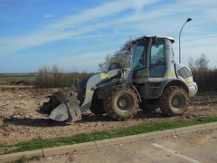 Tractopelle STAG (xavnco2) Tags: plant france stag equipment loader picardie chantier engin somme tractopelle longeau