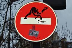 Clet_1050 place d'Italie Paris 13 (meuh1246) Tags: streetart paris panneau londoncalling musique guitare paris13 theclash placeditalie clet cletabraham