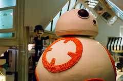 BB-8 Mona de Pascua (j.borras) Tags: film cake easter starwars chocolate pascua mona negative fm2 portra800 sooc bb8