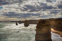 W-IMG_5742 (baroudeuses_voyage) Tags: ocean road sea beach londonbridge rocks oz cove great meadow australia roadtrip victoria cliffs van greatoceanroad 12apostles apostles australie gor elgrotto