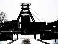 Zollverein (h.bresser) Tags: winter germany deutschland blackwhite essen nrw zollverein zeche zechezollverein weltkulturerbe ruhrpott schwarzweis hartmutbresser hbressr