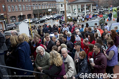 Lining Up For Primary Events (Greenpeace USA 2015) Tags: usa democracy newhampshire exeter vote republican democrat keepitintheground