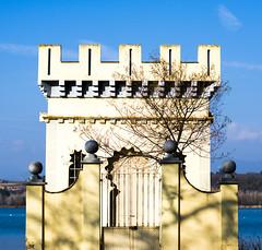 TORRE DEL LLAC (Bernat Nacente) Tags: blue sky white house lake tree de 50mm casa nikon f14 14 cel catalonia melody catalunya mm blau nikkor 50  arbre blanc    pla banyoles   lestany  nohdr    d7200