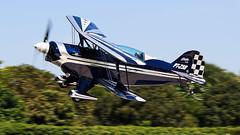 PT-ZSB (MuBasseto) Tags: canon airplane eos low pass airshow biplane aerobatic pitts s2b itpolis