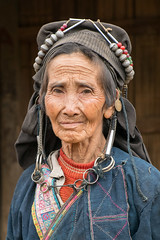 Akha grandma 2 (Laura Jacobsen) Tags: laos hilltribe akha phongsaly phongsali akhanoukouy