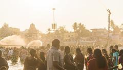 Divine Showers | Mahamaham,Kumbakonam 2016 (vjisin) Tags: travel people india nikon asia religion holy hinduism tamilnadu southindia nikond3200 travelphotography kumbakonam indianheritage mahamaham2016 southindiankumbamela2016