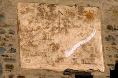 Orologio solare a Vigoleno (PC) (Alfredo Liverani) Tags: italien italy clock canon italia emilia sundial sundials orologio italie emiliaromagna meridiana uhr g12 solaire sonnenuhr cadran vigoleno solare meridiane cadransolaire solaires sonnenuhren cadrans orologiosolare cadranssolaires canong12 rellotgessolars relojessolares vigoleno2016