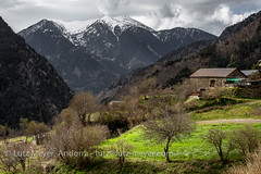 Andorra rural: La Massana, Vall nord, Andorra (lutzmeyer) Tags: pictures primavera rural sunrise photography spring europe dorf village photos pics pueblo abril images fotos valley april below baixa sonnenaufgang unten andorra bilder imagen pyrenees tal springtime iberia frühling pirineos pirineus iberianpeninsula parroquia landleben pyrenäen imatges rurallife poble frühjahr vallnord sispony iberischehalbinsel sortidadelsol lamassanavallnord canoneos5dmarkiii livingrural ländlichesleben lamassanaparroquia lutzmeyer lutzlutzmeyercom