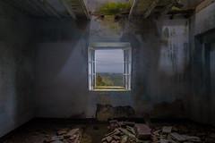 Camera con vista (Marco Bartolini) Tags: finestra toscana rudere rovine toiano