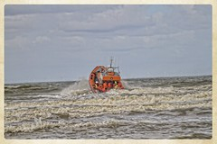 Katwijk - KNRM (gill4kleuren - 11 ml views) Tags: sea people noordzee zee katwijk knrm redingsboot