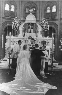 12. Bendiciendo un matrimonio
