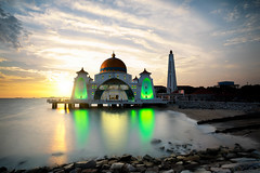 Malacca straits mosque (Patrick Foto ;)) Tags: ocean travel blue sunset sea sky building tourism beach monument architecture night landscape religious dawn twilight scenery asia view symbol outdoor dusk muslim islam religion floating landmark scene mosque malaysia dome historical straits melaka masjid malacca islamic selat my