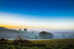 Respire (Fabrice Le Coq) Tags: orange jaune vert bleu ciel nuage paysage extérieur champ brume leverdesoleil fabricelecoq