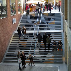 Trappen / Entre Deux / Maastricht (rob4xs) Tags: holland stairs maastricht mosaic nederland thenetherlands shoppingmall winkelcentrum trappen mozaek mestreech entredeux
