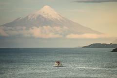 El atardecer en el lago Llanquihue (matiasjimenez.o) Tags: lake water landscape lago volcano paisaje lancha volcan osorno llanquihue