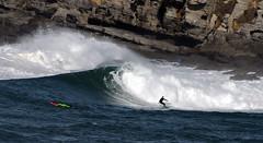 OSCAR GMEZ / 9219GNW (Rafael Gonzlez de Riancho (Lunada) / Rafa Rianch) Tags: sea mer sports mar rocks surf waves surfing cliffs olas rocas cantabria deportes laisla ocano acantilados santamarina