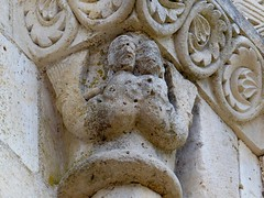 Melle - Saint-Hilaire (Martin M. Miles) Tags: france mermaid 79 melle sainthilaire deuxsvres poitoucharentes chemindecompostelle viaturonensis voiedetours